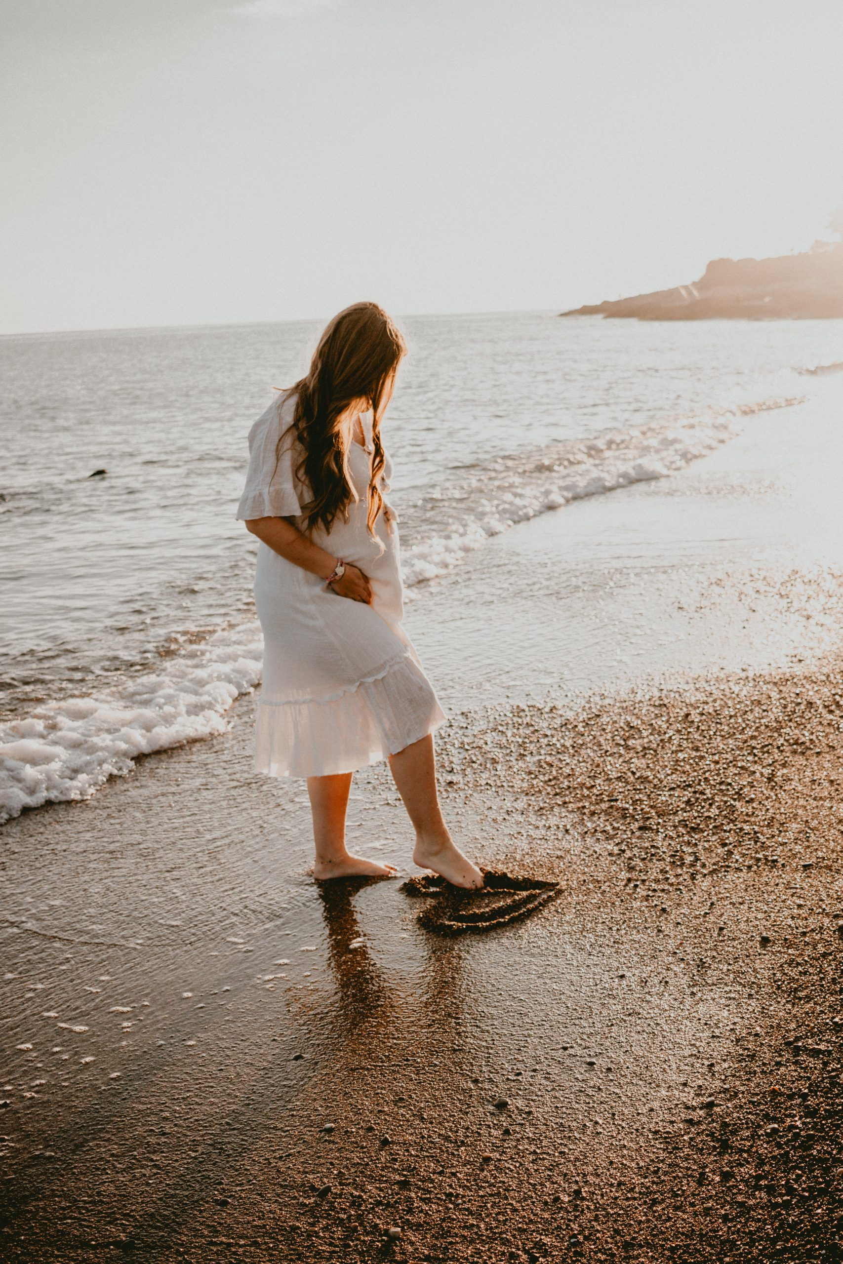 embarazo-atardecer-playa